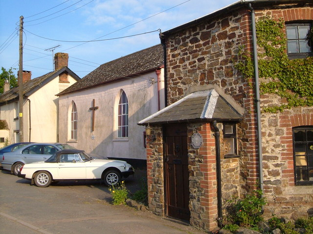 Toll house and chapel, Cheriton Bishop