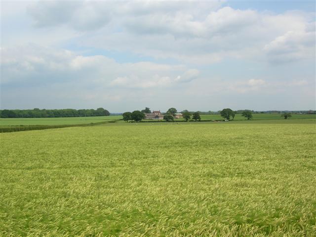 Towards Fairburn House Farm