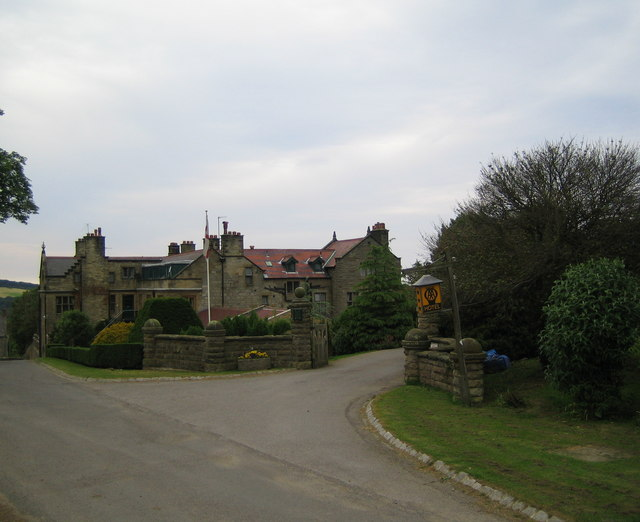 Dunsley Manor