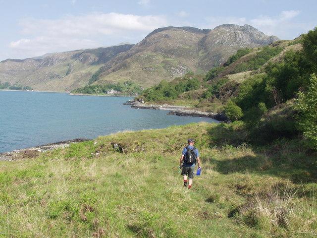 Approaching Tarbet Bay