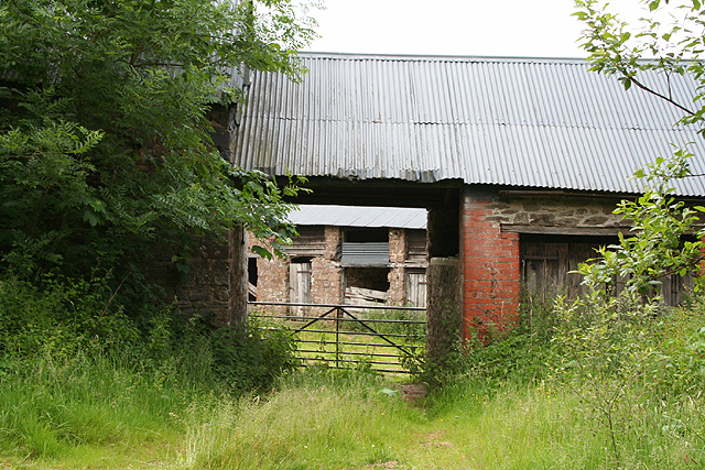 Stoodleigh: barns at Rull