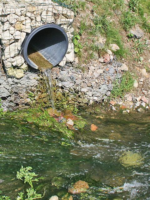 Land drain outfall near Reasby Grange