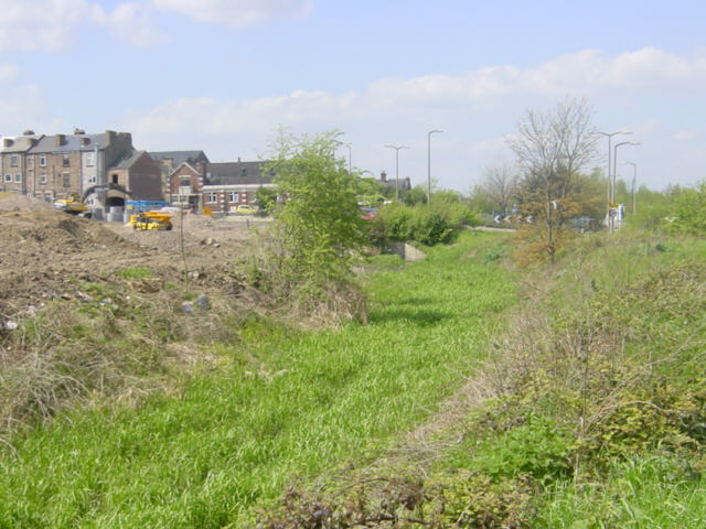 Derelict Dearne and Dove Canal at Wombwell