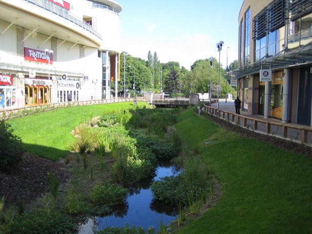 Hemel Hempstead: Riverside Retail Park