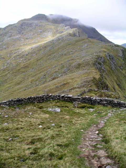 Wall and ridge, Sgurr Choire nan Eiricheallach