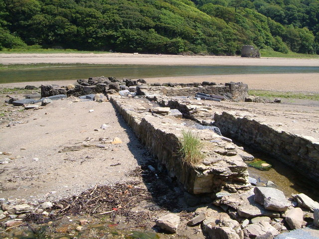 Structure in Erme Estuary