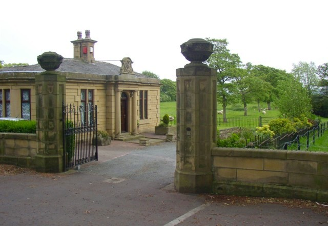 Lodge at entrance to Crow Nest Park, Wakefield Road, Hipperholme