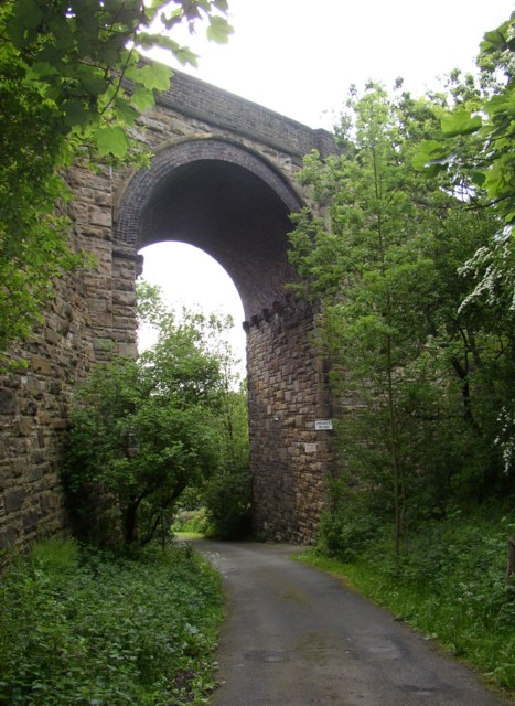Viaduct arch off Bradford Road, Wyke
