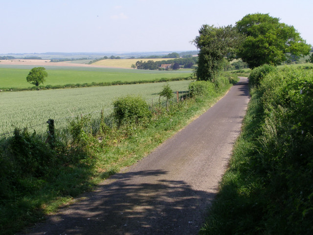 View north along Rodfield Lane