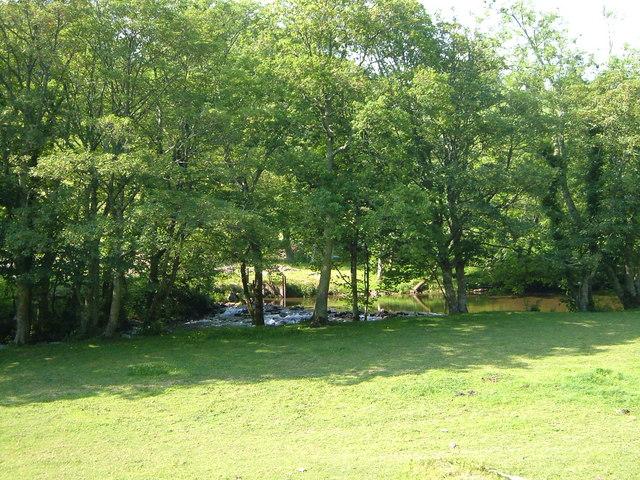 Weir on River Avon below Loddiswell