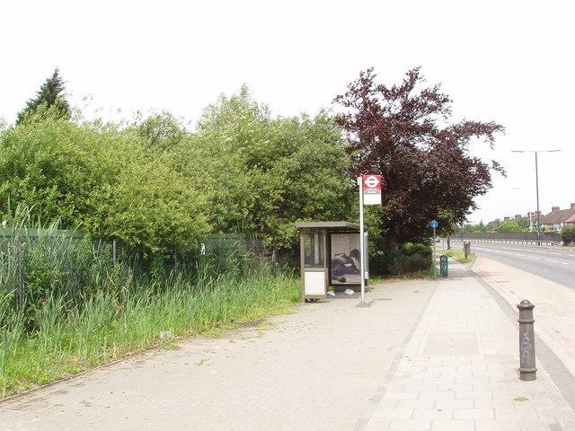 Bus stop on Western Avenue, North Acton