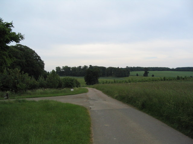Bridleway leading to the Fort Henry and Lower Lakes, Exton Park