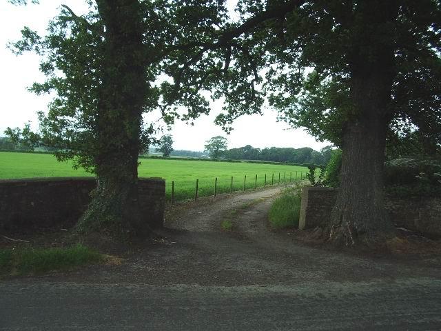 Entrance to Tally Ho Farm
