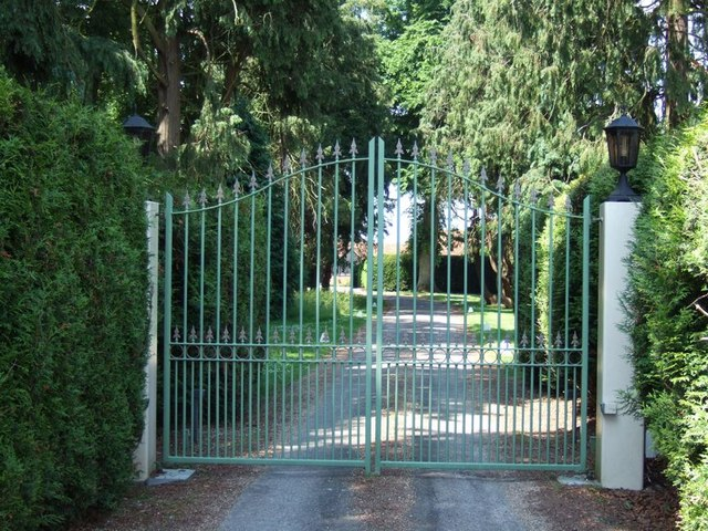 Thorne Barton Hall Gates