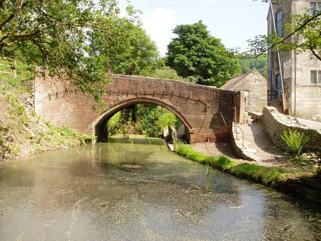Thames and Severn Canal at Brimscombe