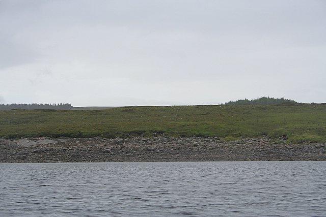 Loch Shin; leaving the entrance to Cnoc Bhinn Bay.