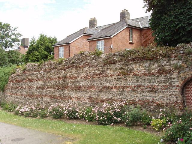 Roman wall, Colchester