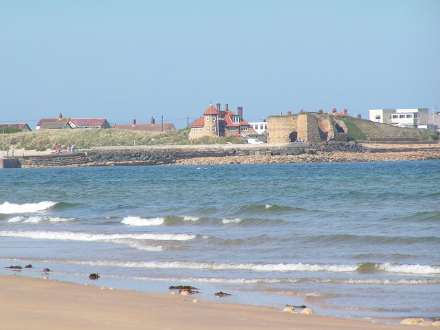 Beadnell Harbour and Lime Kilns © N Chadwick :: Geograph ...