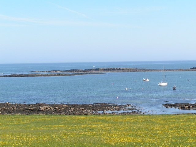 Emblestone and Out Carr, at low tide.