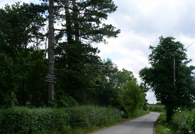 The entrance drive to Broughton Court and Goosehill