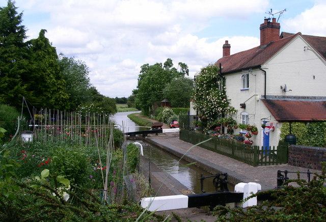 Astwood lock cottage