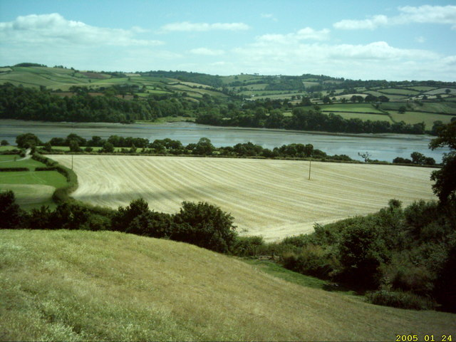 Facing the Teign Estuary from the A381