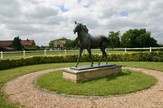 Statue of 'Chamossaire' at Snailwell Stud