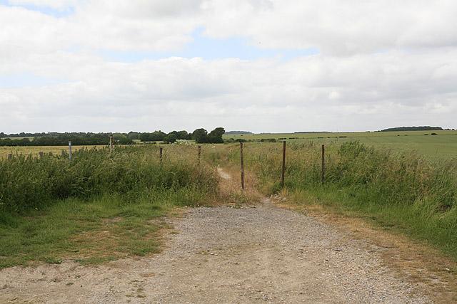 Hurdcott to Salterton footpath after crossing Portway Roman Road