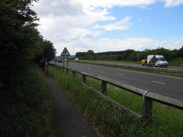 Footpath crossing A69 near Horsley