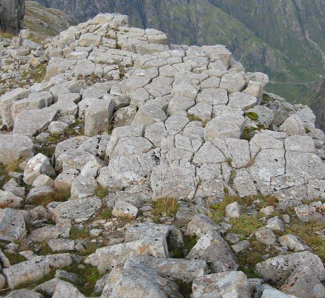 Basalt pavement