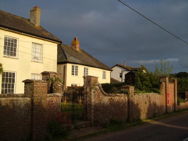 Alfington Farm