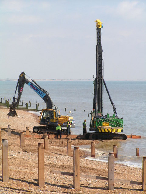 Building new groynes at Cliff End