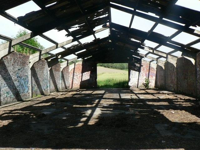 Derelict farm building, Newland Hall