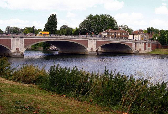 Hampton Court River Bridge