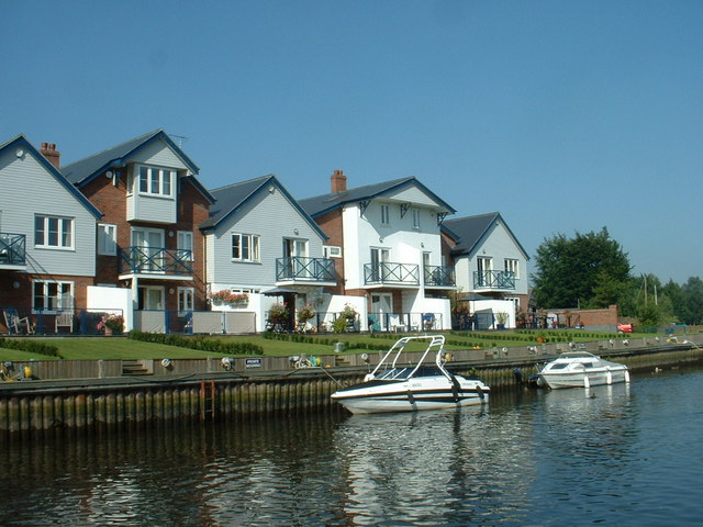 New Houses at Loddon Marina