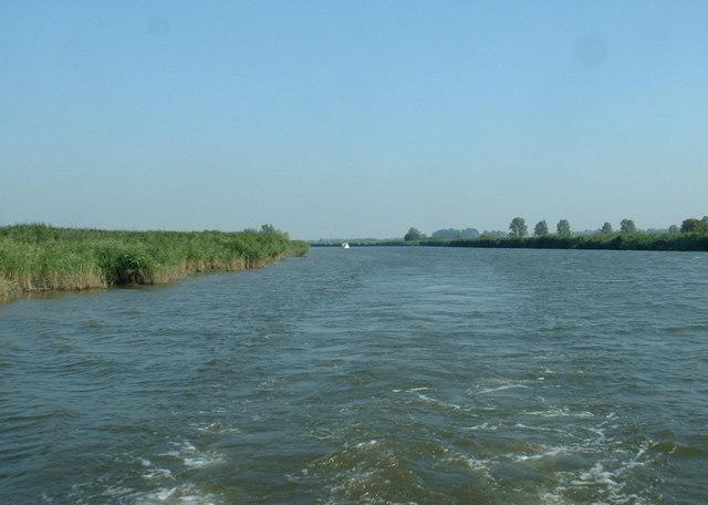 The River Yare at Hardley
