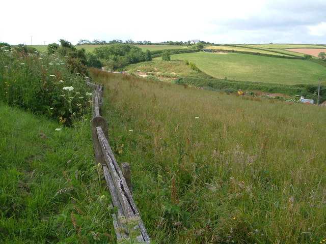 Towards Downton Cross from Foxenhole