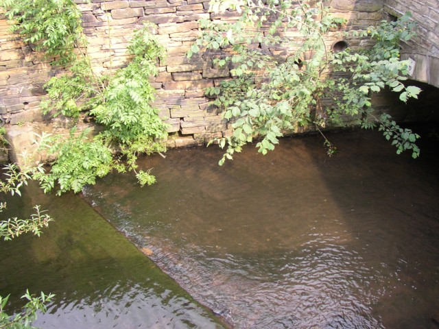 Weir across Clifton Beck, Clifton