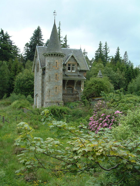 Ardverikie Estate gate house
