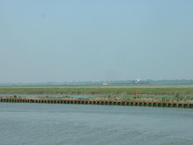 River Yare looking towards Wickhampton