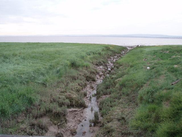 Red rhine entering the Severn Estuary
