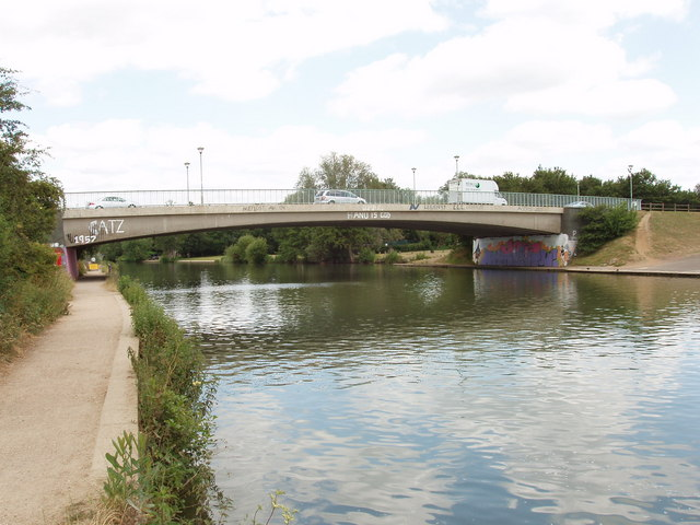 Donnington Bridge, Oxford, from downstream.