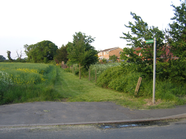 Footpath, Littleworth, Wilstead, Beds