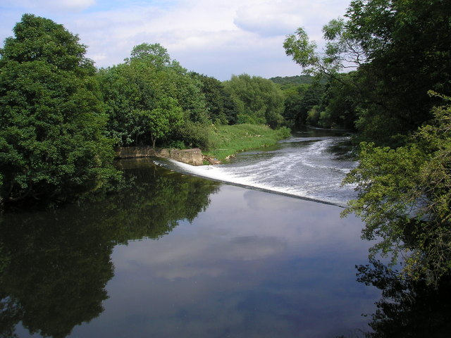Newlay Weir, River Aire, Horsforth