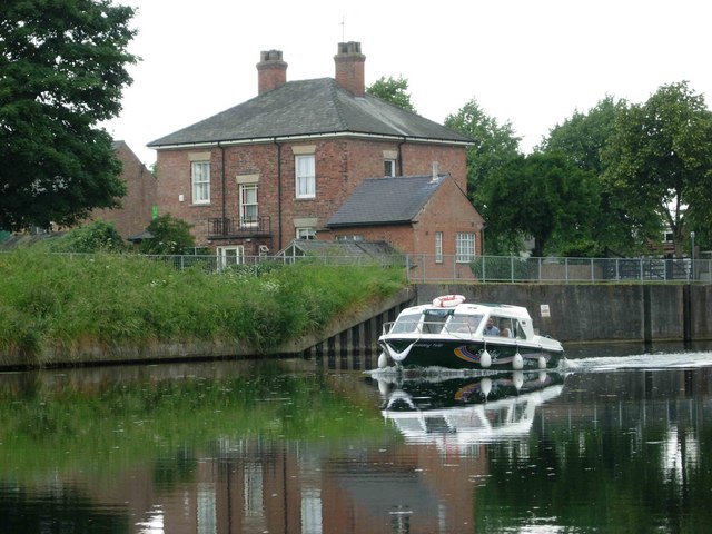 Spalding Water Taxi, Coronation Channel