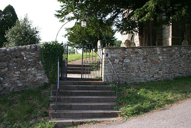 Awliscombe: churchyard entrance