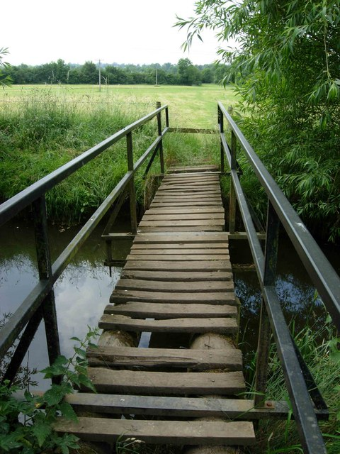 Footbridge west of Dunton Bassett