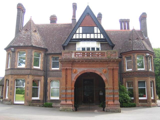 Luton: Wardown Park Museum
