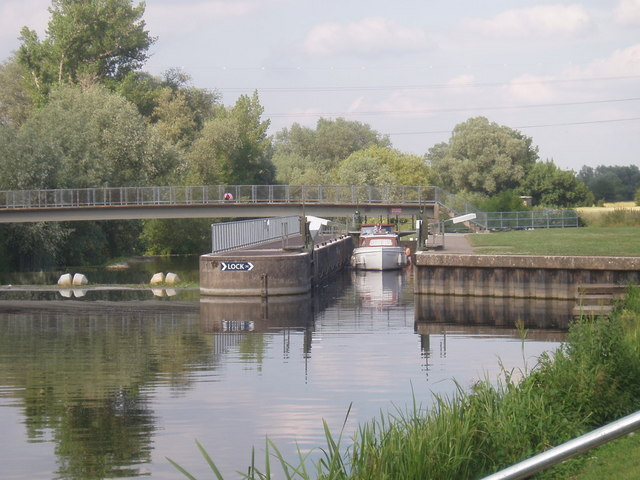 Lock near Willington