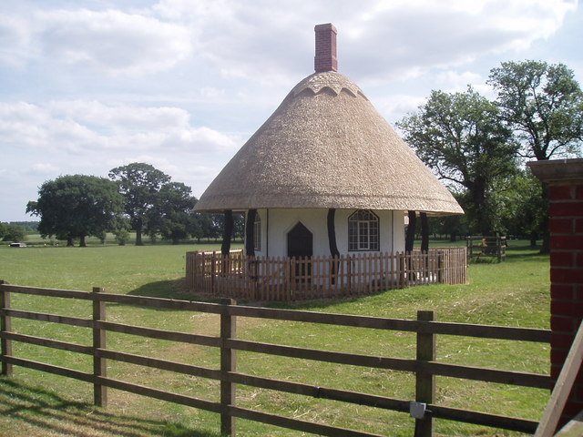 Thatched gatehouse